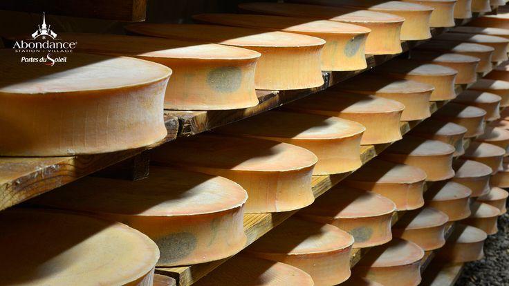Le fromage Abondance, fromage des Savoie AOC , fabrication, cave et dégustation, plats à base de fromage Abondance. Images et Photos.