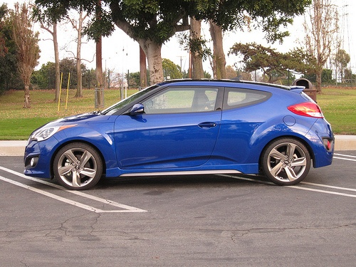2013 Hyundai Veloster Review by Carrie Kim