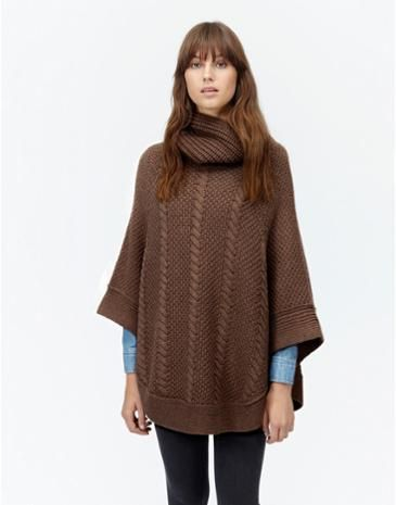 Wrap up this autumn in our Joules women's cable knit poncho.