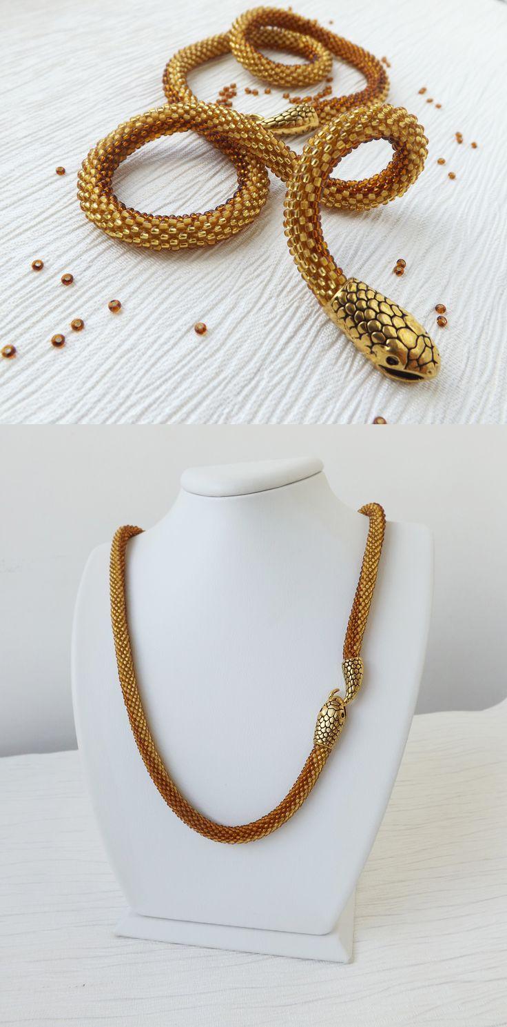 #snakenecklace #goldennecklace #trendnecklace #stylishnecklace