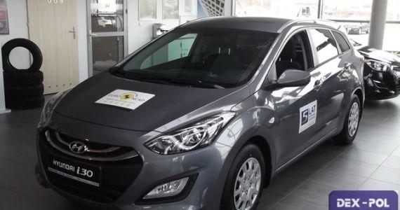Hyundai i30 Wagon 1,6MPI benzyna (120 KM) wersja Comfort. Kolor STEEL GRAY  (Grafitowy metalik) Wnętrze: Ciemne cena samochodu z lakierem metalik - 74,700zł Rabat 5000zł Cena po rabacie wynosi-69,700zł  http://hyundai.lubin.pl/oferta/hyunadai-i30-wagon-2014r/22