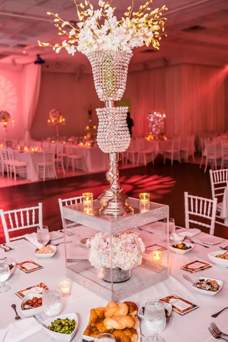 Bling centerpieces sohocateringandevents for Wedding decorations centerpieces