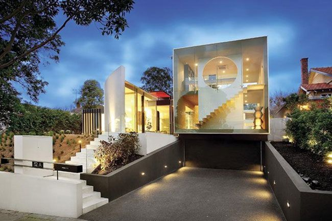 Exterior futuristic and minimalist glass house exterior for Minimalist homes australia