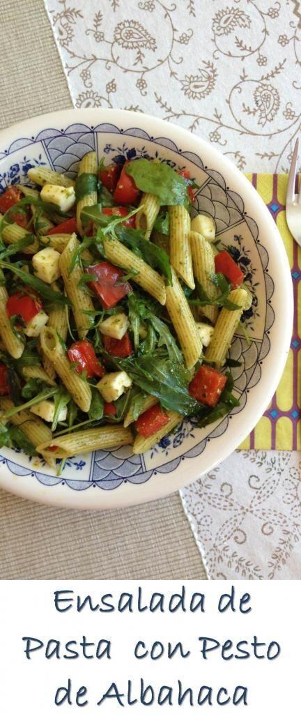 Ensalada de Pasta, Queso Mozzarella,  Pimiento Rojo, Rúcula y Pesto de Albahaca: Una ensalada deliciosa con sólo 5 ingredientes