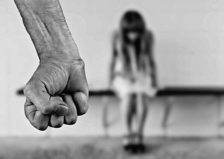 Przemoc w domu to nie pojedyczny akt, ale trwający niekiedy latami proces zachowujący swoją cykliczność. Przeplatające…