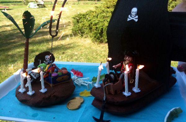 Indispensable gateau bateau pirates !   http://www.monblogdemaman.com