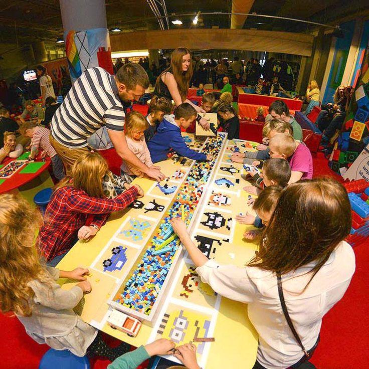 Wystawa budowli z klocków Lego oraz specjalna strefa rozrywki m.in. z możliwością malowania klockami
