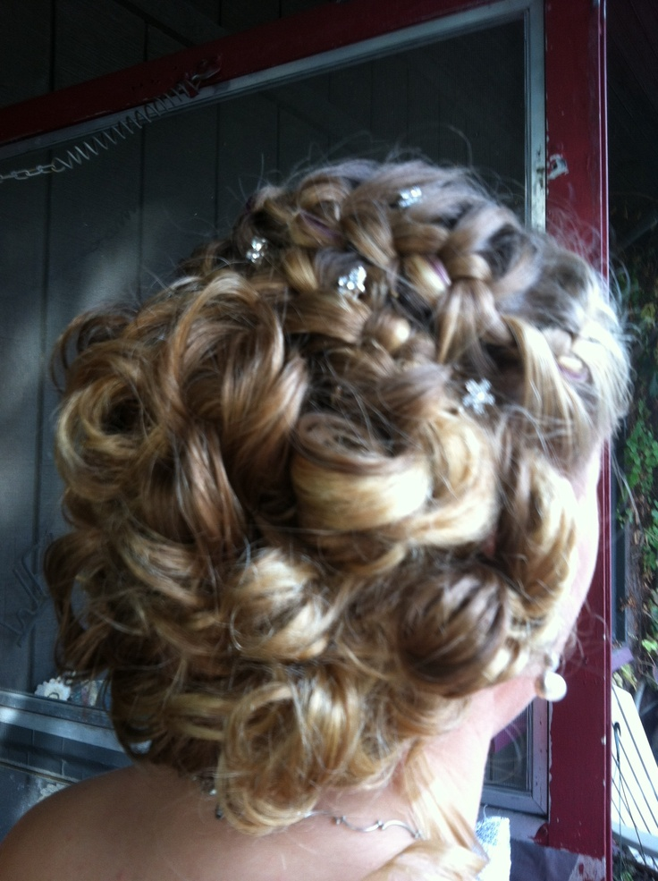 Updo! I want to learn how to do this