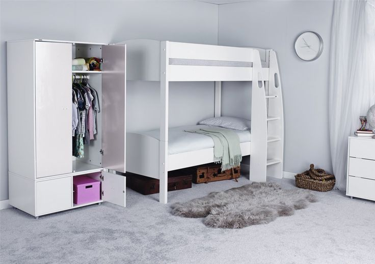 This Stompa UNOS Detachable Bunk Bed has a clever design which allows it to split into 2 single beds. The beds come with a choice of either pink, blue or white foot board and head board to coordinate with your child's room. The deep ladder is ergonomically designed to allow for easy access and has grab handles for your child's safety. With a pine frame this bed is strong and has a durable white lacquered finish. Size of Detachable Bunk Bed Height 166.2cm X Width 122.2cm x Lengt...