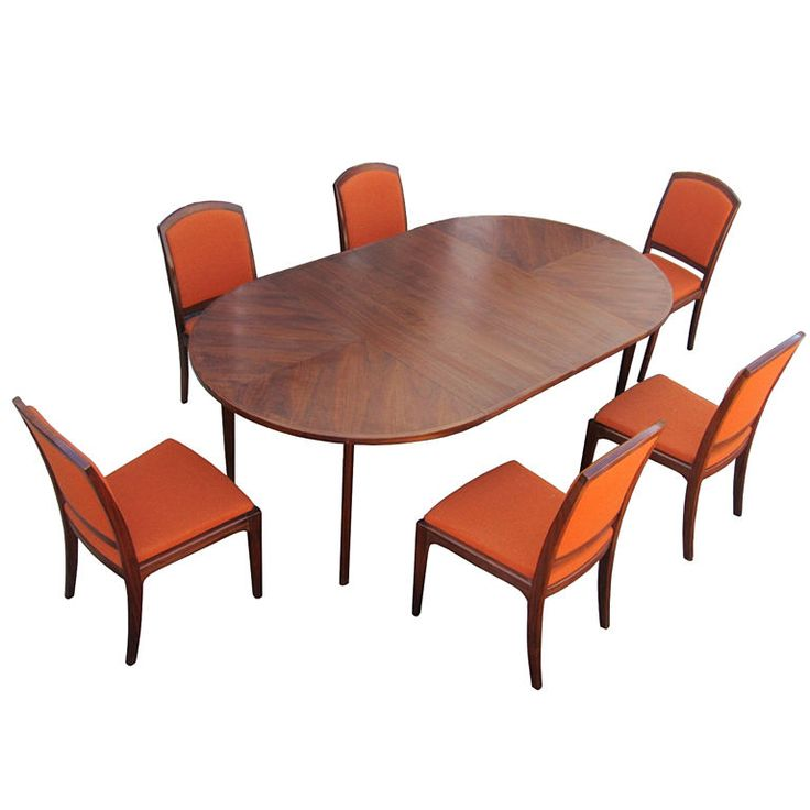 John Keal For Brown And Saltman Dining Table And Chairs