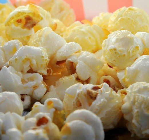 Our team of experts has selected the best popcorn makers out of hundreds of models. Don't buy a popcorn maker before reading these reviews.