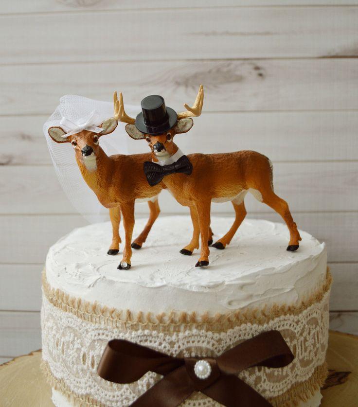 Cerf rustique wedding cake toppers buck et chasseur de cerfs communs doe pays sur le thème de mariage décor animaux cake toppers toilettent topper de chasse pour le gâteau du marié par ThePrincesProps sur Etsy https://www.etsy.com/fr/listing/208451493/cerf-rustique-wedding-cake-toppers-buck