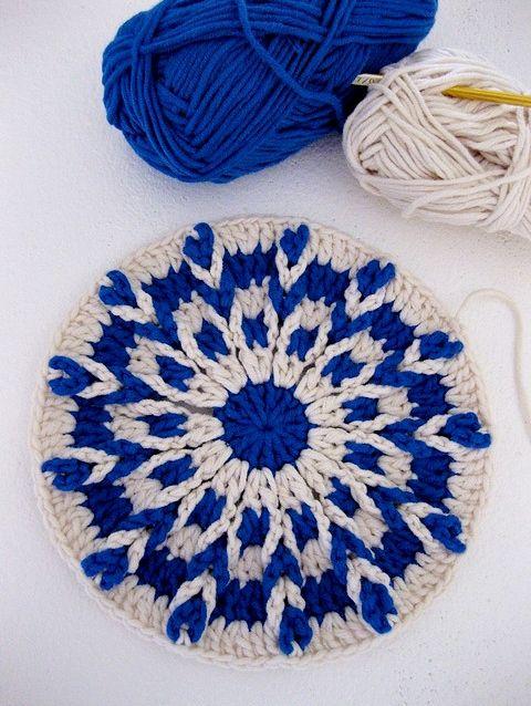 Kaleidoscope crochet hot pad ~ free pattern