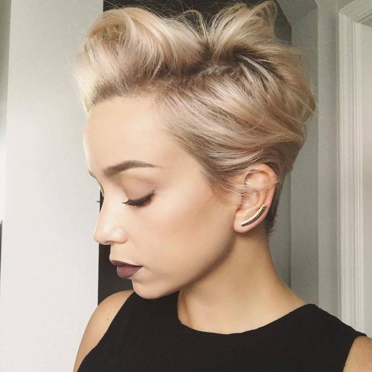 Wow , Credits tot /sarah_louwho/ #Hairstyle #pixiehair #hairs #hairfashion #newhaircut #instacool #shorthairideas #pixiecut #fashionista #picoftheday #pixies #ootd #hairdresser #hairstylist #hairstyles #dress #longhair #instafashion #pixie #blondhair #haircut #haircolour #barberlife #barber #hairdressers #shorthair #platinum #shorthairdontcare #haircolor #undercut