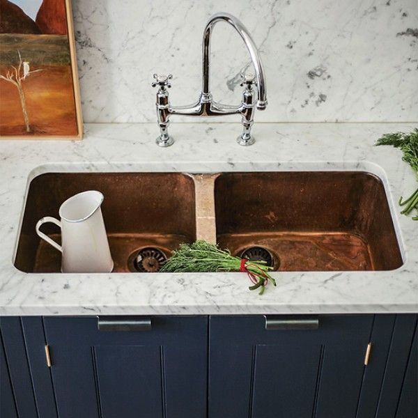 Popular Design led sinks in copper and stainless steel join the classic Belfast and Butler as