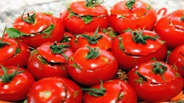 Малосольные помидоры по-армянски с чесноком получаются очень ароматные, остренькие, ну просто очень вкусные.