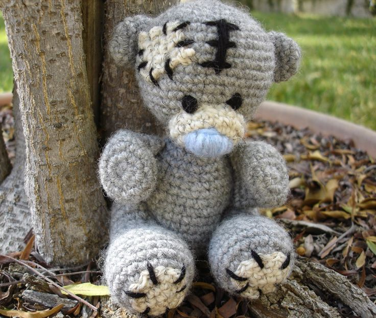 Tatty Teddy ~ Free Patterns by H/ he's so cute / love the patches / FREE CROCHET pattern