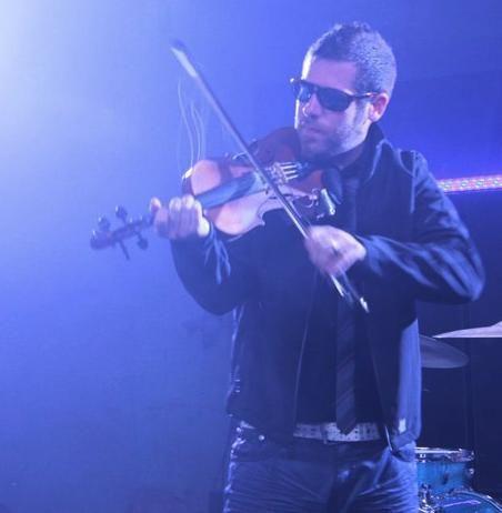 Ashley MacIsaac, musical genius, makes Canada proud.