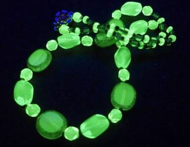 """17"""" 430mm Czech Glass Beads Necklace Uranium Green Yellow Vintage UV Glowing by MuchMoreThanButtons on Etsy"""