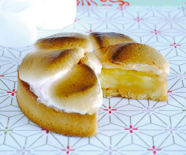 Si vous aimez la tarte au citron, alors vous allez adorer cette recette pour en réaliser une avec de la guimauve.
