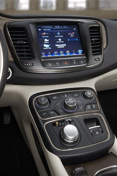 Seven Ways to Stay Connected in the All-New 2015 Chrysler 200