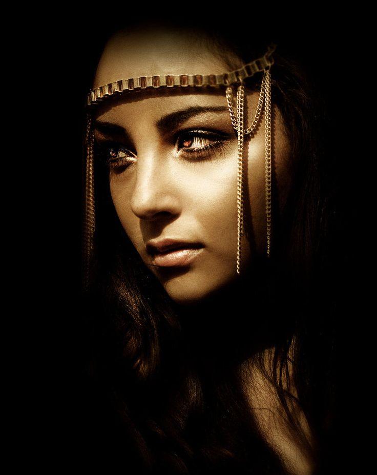 Ianna Andree. Remembrance Name Menhit (She Who Massacres