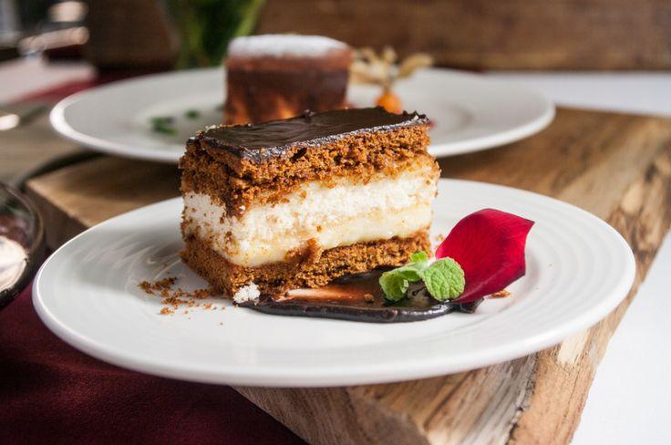 W naszej restauracji serwujemy pyszne ciasta i desery. Odrobina słodkości będzie doskonałym zwieńczeniem dnia pełnego wrażeń! :)  #pensjonatklimek #muszyna #hotelklimek #beskidsadecki