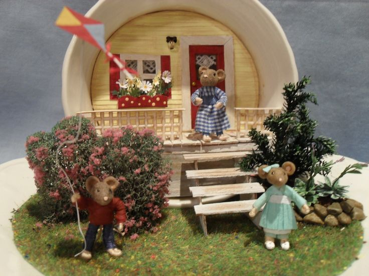 Mouse house made from a teacup!     doll, house, dollhouse, miniature, tea cup, vignette, scene, diorama, mouse, mice,