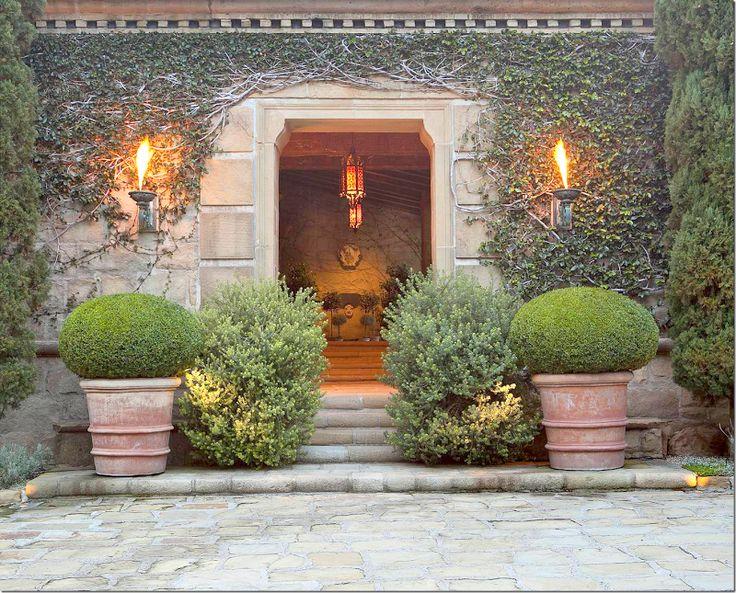 SALADINO's Villa:  The entrance