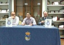 """Presentación del libro """"Domestica tu Mac"""" ayer en Estepona (Málaga), por Javier Moreno."""