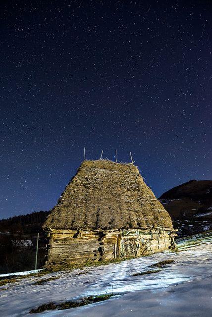 Traditional house, Trascau Mountains, Romania by Sergiu Bacioiu on flickr , romaniasfriends.com