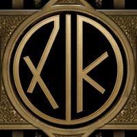 dfdfLoin omat nimikirjaimeni The Great Gatsby - Kultahattu -monogrammi koneella.