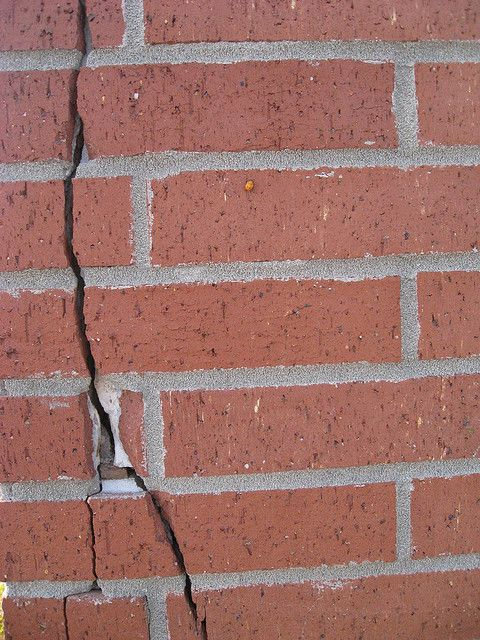 Avoid Cracks In Bricks By Following These Ideas Bricks Fails And Home