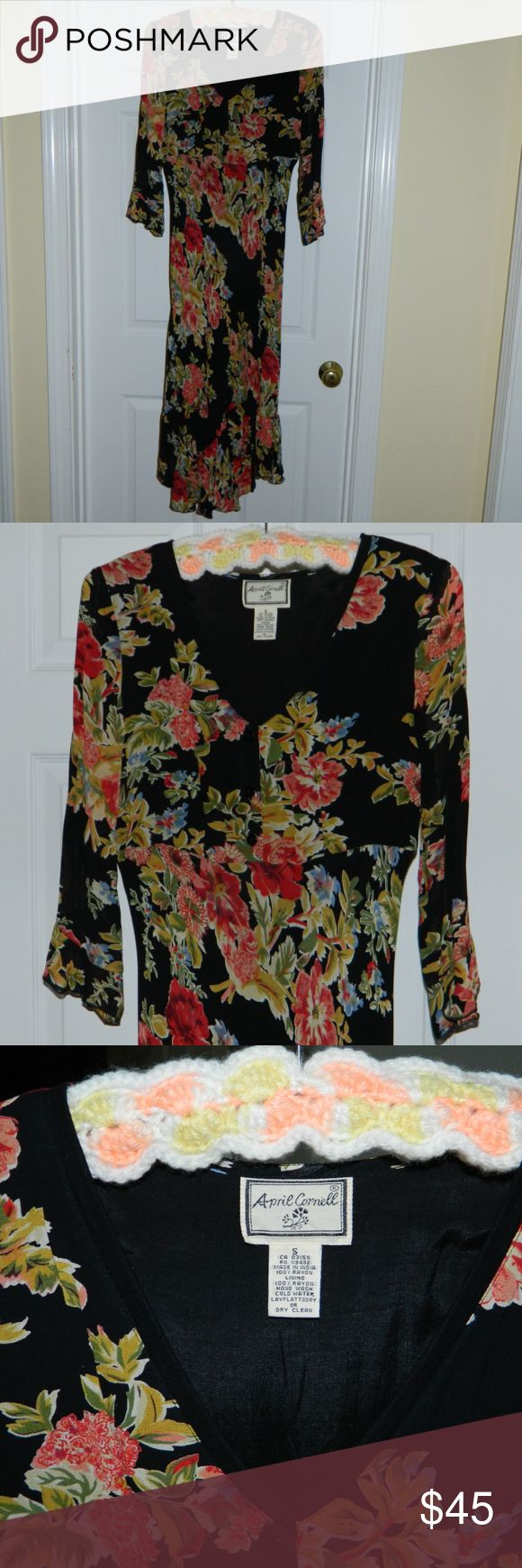 April Cornell Floral dress Women's Size Small. Knee Length Dress. Tie-back. Beautiful condition April Cornell Dresses Long Sleeve
