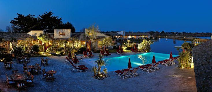 HOTEL L'ESTELLE EN CAMARGUE www.hotelestelle.com  HOTEL 5 étoiles - RESTAURANT Les Saintes-Maries-de-la-Mer