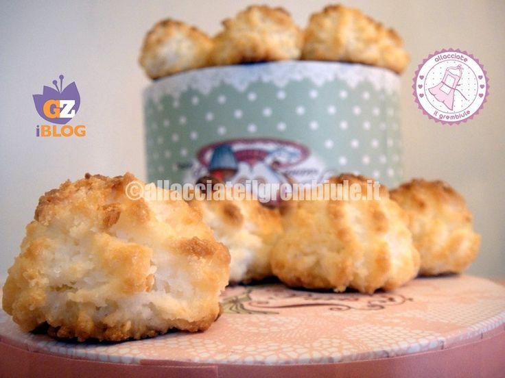 I biscotti cocco veloci sono senza glutine e senza lattosio...perfetti per tutte le mie amiche intolleranti...e anche per me!