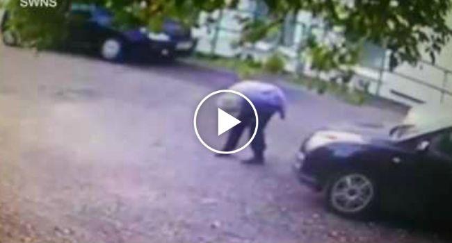 Ladrão Finge Oferecer Ajuda a Idosa De 72 Anos Para Conseguir Roubar-lhe o Carro