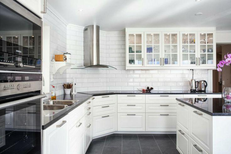 Vitt Kok Ikea : sittbonk kok ikea  Vitt kakel Kok Pinterest