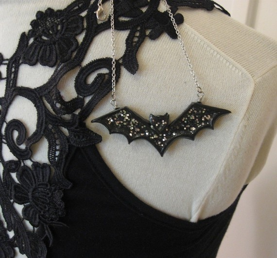 how to make gothic jewelry