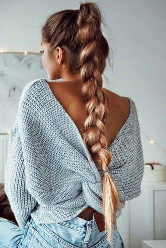 At times it may seem that French braid is simple and not worth paying attention to. But once you learn how to braid it correctly to create the endless masterpiece, you will surely appreciate this full of potential style. Besides, all the celebrities are heads over heels about it!