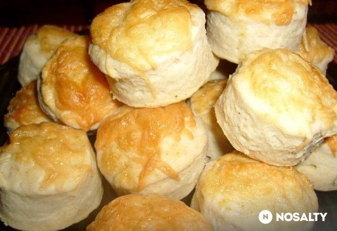 Omlós kefíres-sajtos pogi