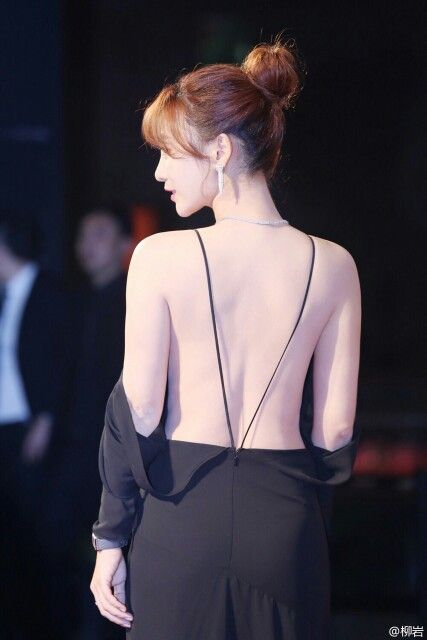 Ada Liu Yan - amazing dress