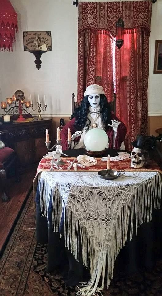i think this may be from halloween forum great for inspiration - Victorian Halloween Decorations
