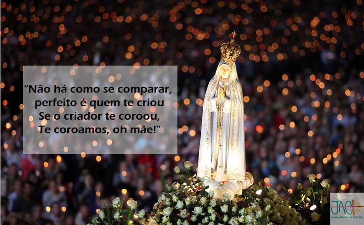"""""""Se o criador te coroou, te coroamos ó mãe"""" #MariaMaeDaIgreja"""