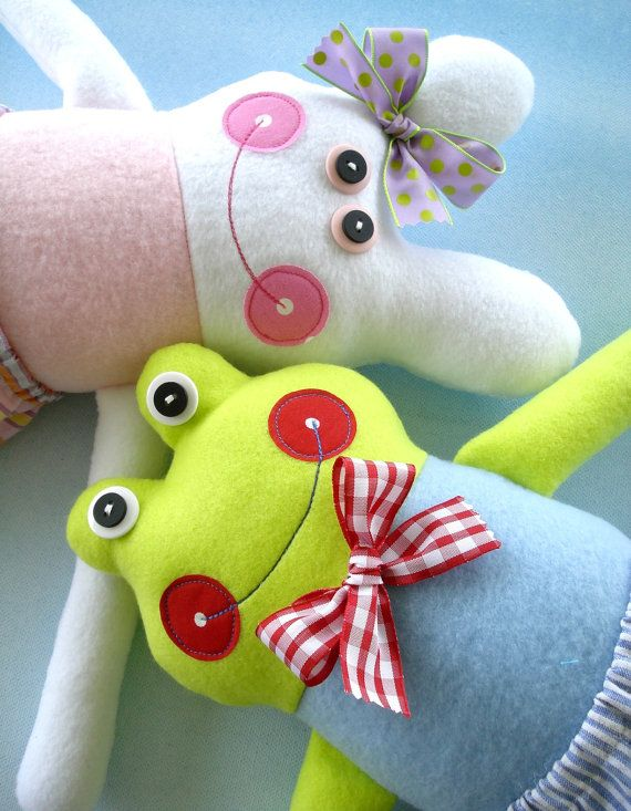Hey, I found this really awesome Etsy listing at https://www.etsy.com/ca/listing/84646195/doll-sewing-pattern-for-belinda-bunny