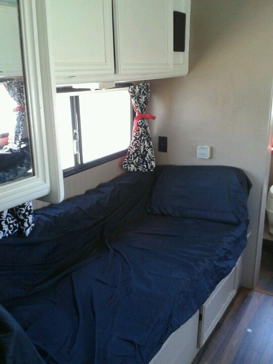 I Love Lucy Beds In Rv Made Into Day Beds Rv Beds Diy