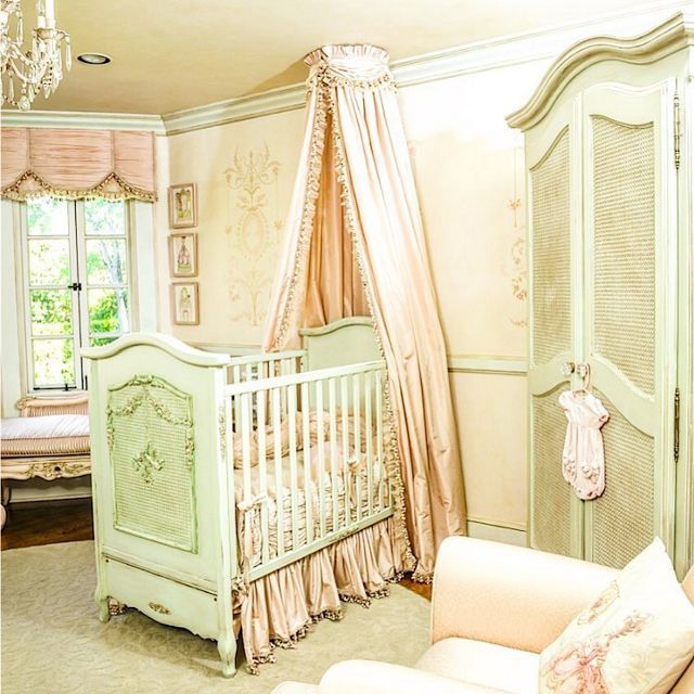 When it comes to children's furniture, AFK is hands down the crème de la crème. They furnished nurseries for celebrities such as Jennifer Lopez, Gwen Stefani, Mariah Carey, Christina Aguilera, and Ty