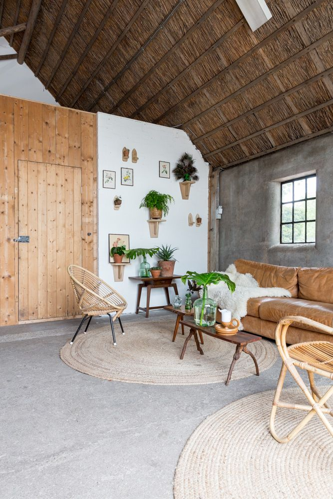 loungecorner Flinkefarm. handmade wooden consoles. 3d wall, vintage finds. photocredits: Hans Mossel