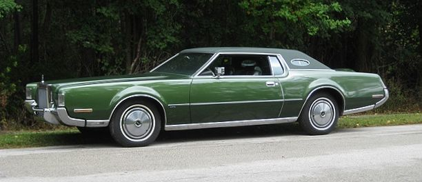 1972 Lincoln Continental Mark IV in Medium Ivy Metallic Moondust