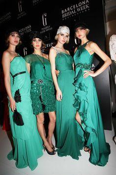 Sonia Peña emerald green dresses! SHOP ONLINE at www.rosapiuma.com and enjoy summer #sales ! Sign up and get an extra € 5 off your first purchase! #saldi   #rebajas   #sale   #promdress   #weddingdress   #weddingoutfit   #emeraldgreen   #motherofthebride   #bridesmaid   #motherofthegroom   #dressoftheday   #dresses